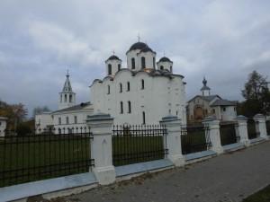 中世のギリシャ正教会が並ぶノヴゴロド